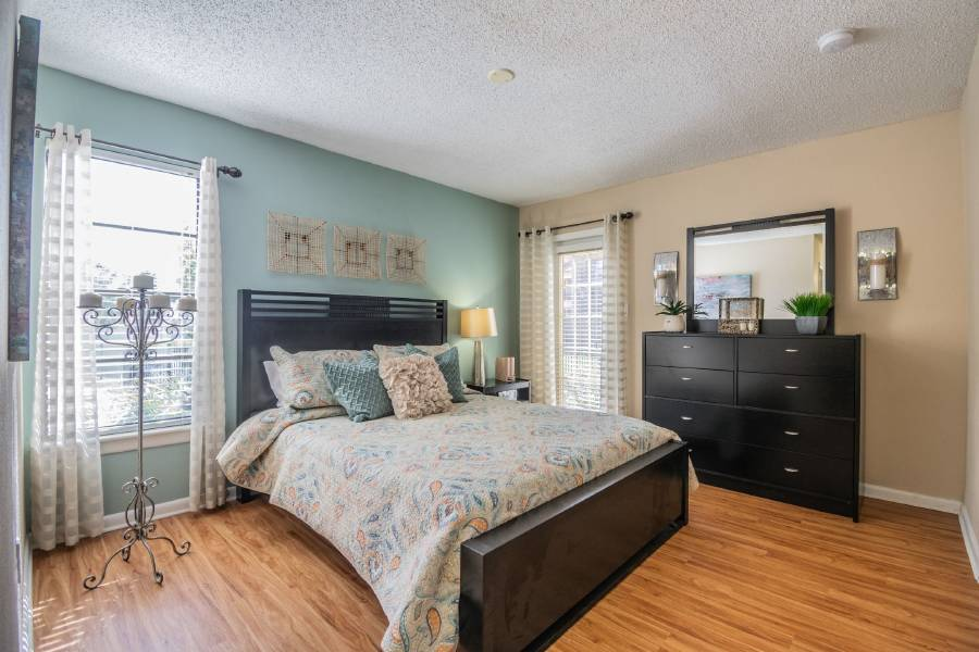 With Designer Two Tone Paint Upgraded Light Fixtures Distinctive Plumbing And Picturesque Views Your North Tampa Apartment Is The Perfect Oasis To Come